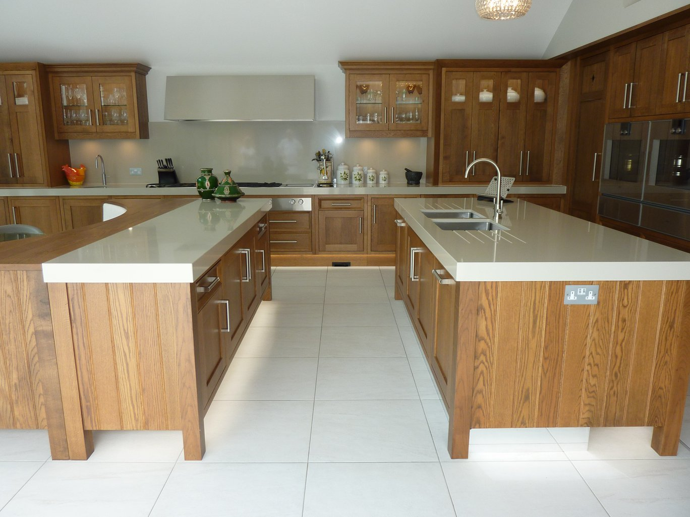 Dark Oak Shaker Style Kitchen-5.jpg